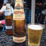 Litauisches Bier Švyturys im Blue Bird Café im Gozsdu-Hof