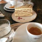 Esterházytorte und Espresso im Astoria Café