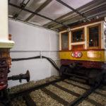 Historische U-Bahn im U-Bahn-Museum in Budapest