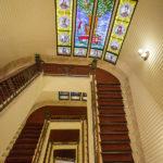 Treppenhaus des Hotel Gellért