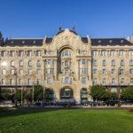 Außenansicht des Gresham-Palasts (Four Seasons Hotel)