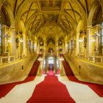 Hauptstiege im Parlament von Budapest
