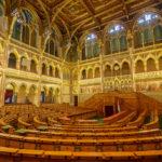 Plenarsaal im Parlament von Budapest