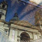 Spiegelung der St.-Stephans-Basilika in einer Lacke