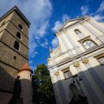 Der Schwarze Turm und die St.-Nikolaus-Kirche
