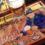 Ein Krug Gambrinus-Bier in der Gaststätte Pivnice U Švejků