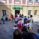 Warteschlange vor dem Eingang der Petřín-Standseilbahn