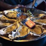 Austern im Restaurant Café des Arts