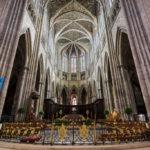 Kirchenschiff der Kathedrale Saint-André