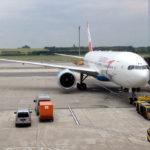 Boeing 777-200 der Austrian auf dem Flughafen Wien-Schwechat