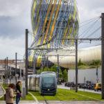 Die Straßenbahnlinie B in der Station Cité du Vin vor dem gleichnamigen Museum
