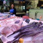 Fischstand in der Markthalle Marché des Capucins