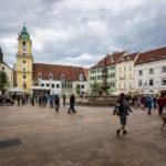 Der Hauptplatz vor dem Alten Rathaus