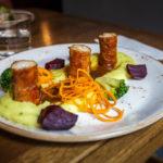 In Speck gerollte Putenfilets im Restaurant Ventúrska Klubovňa
