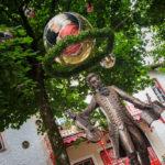 Mozart erwartet seine Gäste im Garten des Café Reber in Bad Reichenhall