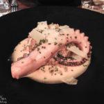 Gebratener Okotpus im Restaurant Etrillum