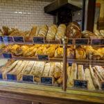Brot und Gebäck in der Bäckerei La Boulangerie (4 Allée Duquesne)