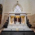 Grabmal des französischen Generals und Staatsmanns Lamoricières von 1878