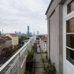 Außenbalkon des Ateliers im Lassallehof (Archivaufnahme von Open House 2014)
