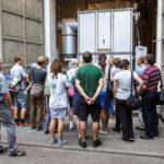Besucher einer Führung im Umspannwerk Favoriten in Wien