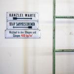 Alte Schilder im Umspannwerk Favoriten in Wien