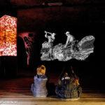 Projektionen im magischen Salzraum informieren über die Geschichte des Bergwerks