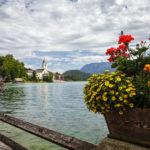 Blick von der Seepromenade auf Sankt Wolfgang
