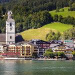 Blick vom Wolfgangsee auf Sankt Wolfgang