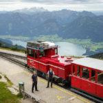 Die Schafbergbahn an der Endhaltestelle Schafbergspitze