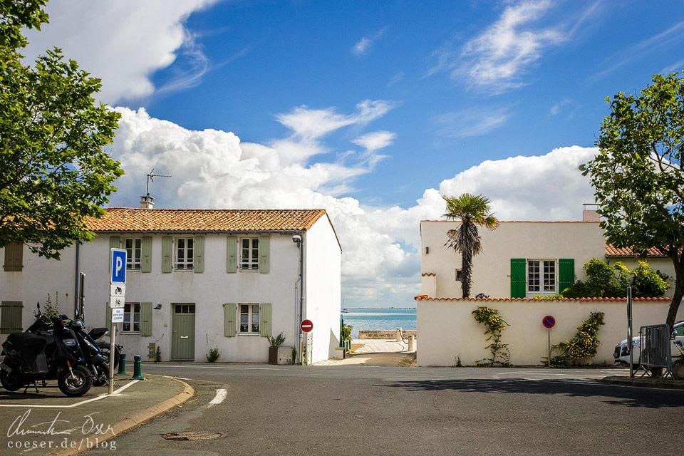 Der Weg zum Meer führt durch die Häuser