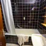 Bad im Doppelzimmer im Avalon Hotel Bad Reichenhall
