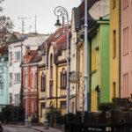 Bunte Häuser am Fuße der Festung Spielberg (Špilberk)