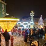 Karusselle auf dem Weihnachtsmarkt Krautmarkt (Zelný trh)