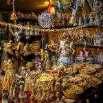Verkaufsstand für Handwerk auf dem Weihnachtsmarkt Krautmarkt (Zelný trh)