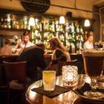 Innenansicht der Apotheka Café Bar