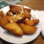 Bratkartoffeln mit Knoblauch im Restaurant Švamberský dům