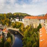Blick auf das Schloss und die Moldau vom Schlossturm aus gesehen