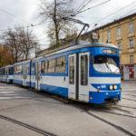 Der alte Straßenbahntyp E1 aus Wien, umlackiert und generalüberholt seit 2004 in Krakau unterwegs