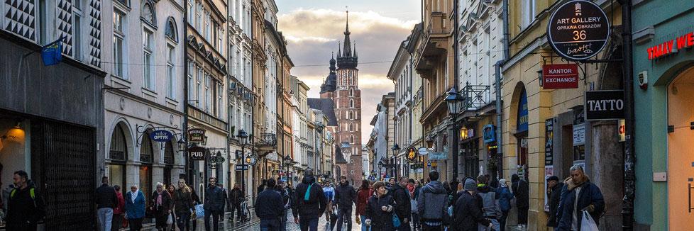 Die Straße Florianska mit Blick auf die Marienkirche in Krakau