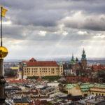 Panoramablick auf den Wawel vom Nordturm der Marienkirche aus gesehen
