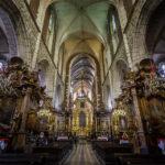 Innenansicht der christlichen Pfarrkirche Corpus Christi