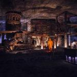 Nachstellung historischer Bergwerksarbeiten in der Salzmine Kopalnia Soli Wieliczka