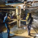 Besucher können an manchen Stellen selbst Bergarbeiter spielen
