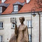 Statue von Maria Skłodowska-Curie in Warschau