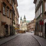 Blick auf die Heiligengeistkirche in der Altstadt von Warschau