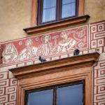 Fassade eines historischen Gebäudes auf dem Altstadtmarkt in Warschau