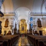 Innenansicht der Heilig-Kreuz-Kirche in Warschau