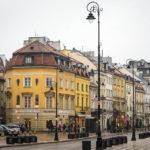 Häuser entlang der Straße Krakowskie Przedmiescie auf dem Warschauer Königsweg