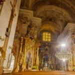 Innenansicht der St.-Anna-Kirche in Warschau