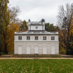 Das Weiße Haus im Warschauer Łazienki-Park